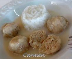 Albóndigas al vapor de pescado con salsa velouté